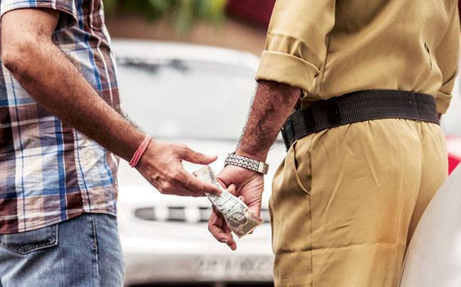 India Corruption Survey: 56 percent paid bribe in last one year, 91 percent don't know about anti-corruption helpline 2