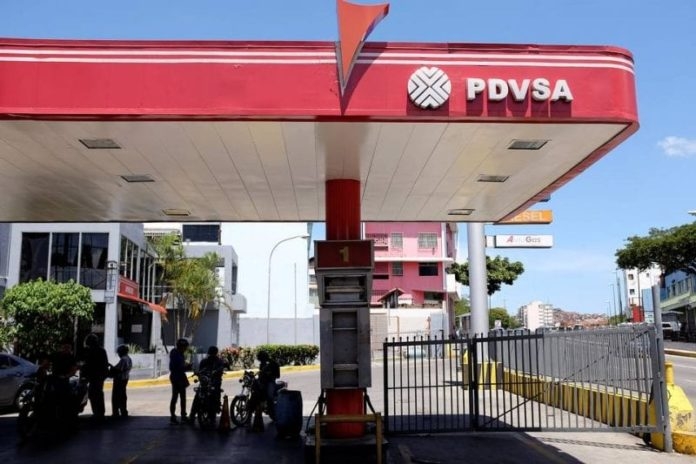 Former PDVSA subsidiary procurement officer pleads guilty to money laundering