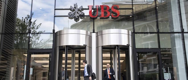 UBS faces charges of assisting clients to evade the French tax authorities and money laundering. 2
