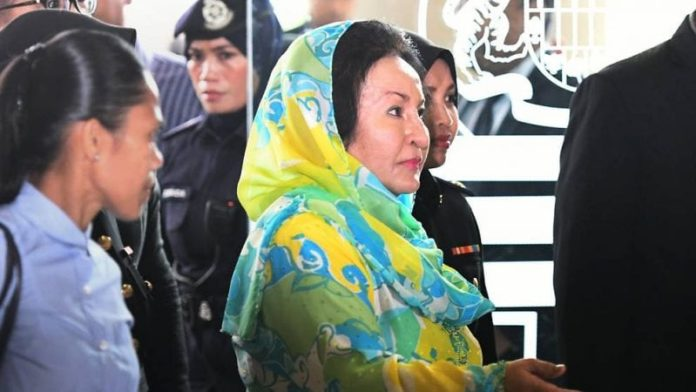 Malaysia: Rosmah and ex-aide charged with soliciting and accepting bribes 2
