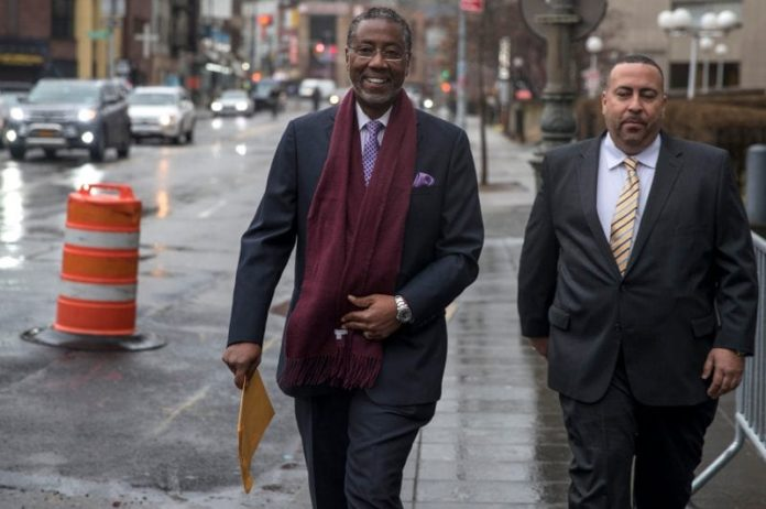 Norman Seabrook gets nearly five years in prison for taking bribes