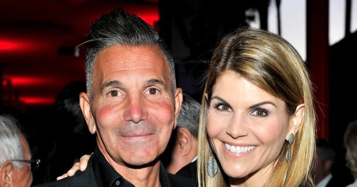 Mossimo Giannulli reports to prison to start 5-month sentence in college admissions scam