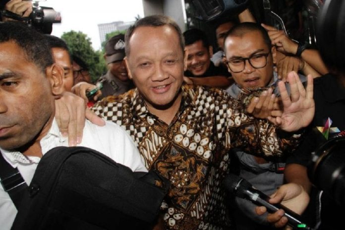 Indonesia: Former supreme court secretary charged with bribery in connection to court cases 2