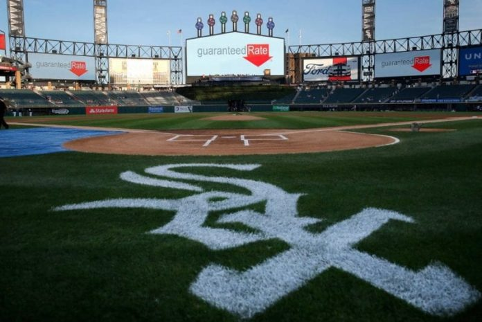 Two former Chicago White Sox employees charged with $1 million ticket fraud 2
