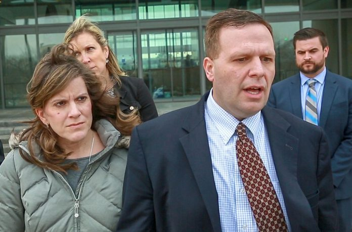 Former northwest Indiana mayor James Snyder faces retrial on bribery charge
