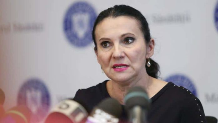 Former Romanian Health Minister Sorina Pintea arrested on bribery charges 2