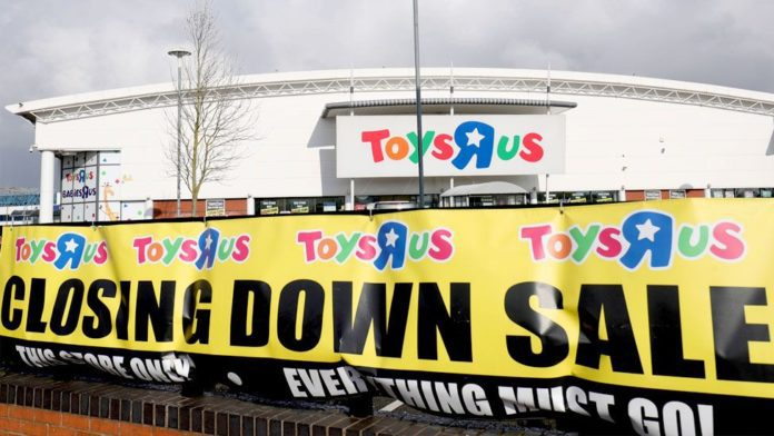 Toys 'R' Us directors sued for fraud in firm's liquidation 3