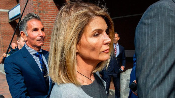 Actress Lori Loughlin begins 2-month prison sentence for role in college admissions scam