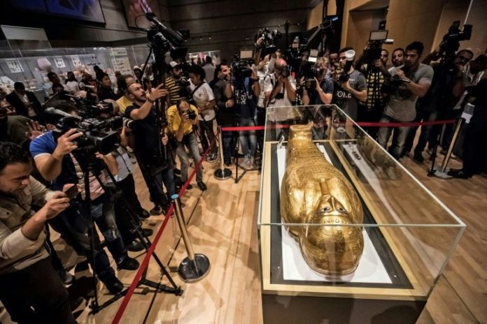 French art expert charged over looted Mideast antique