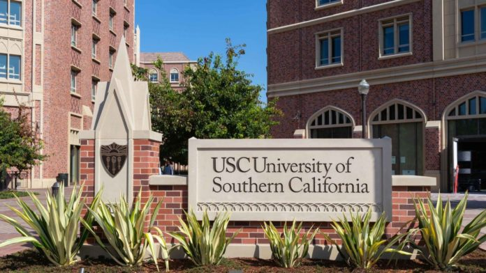 USC admissions officer to plead guilty in bribe-for-admission scheme