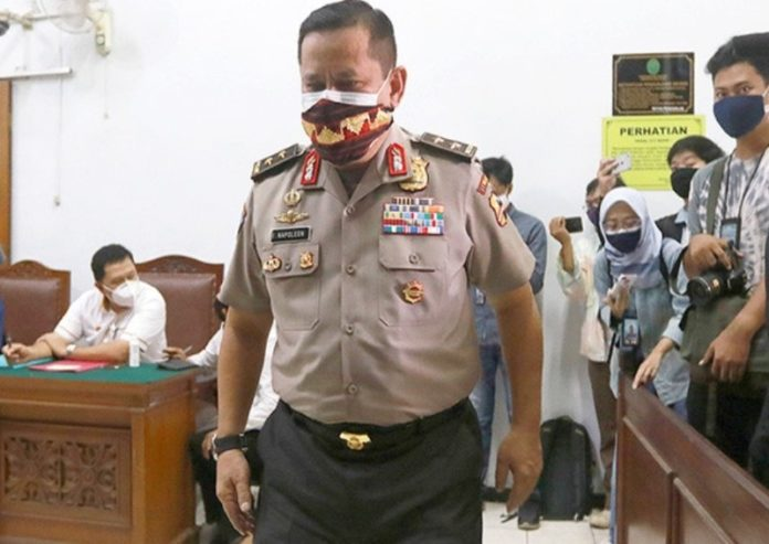 Indonesia indicts two police generals for accepting bribes to help fugitive Tjandra